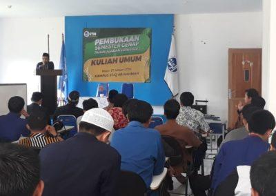 Pembukaan Semester Genap dan Kuliah Umum STIQ Ar-Rahman oleh Ustadz Agus